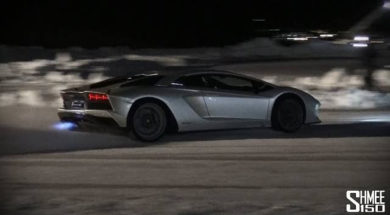Aventador S – Flamethrower HOT LAPS on ICE!