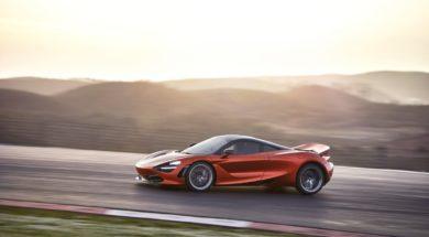 7521-McLaren+720S-22-Action
