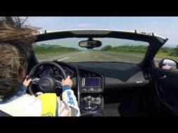 Audi R8 Spyder vs Wingsuit