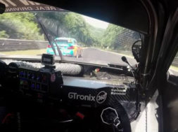 Caméra embarquée en Renault R.S. 01 GT3 sur le Nürburgring