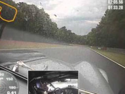 Caméra embarquée à Brands Hatch en Shelby Cobra