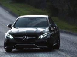 La Mercedes-AMG C 63 S s'apprécie aussi au ralenti