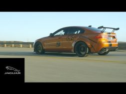 La Jaguar XE SV Project 8 à Laguna Seca, en route pour Los Angeles