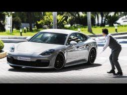 Jacky Ickx et une Porsche Panamera dans une caméra cachée