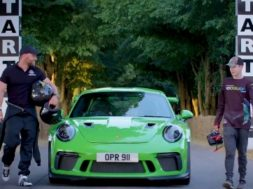 Drone contre Porsche 911 GT3 RS à Goodwood