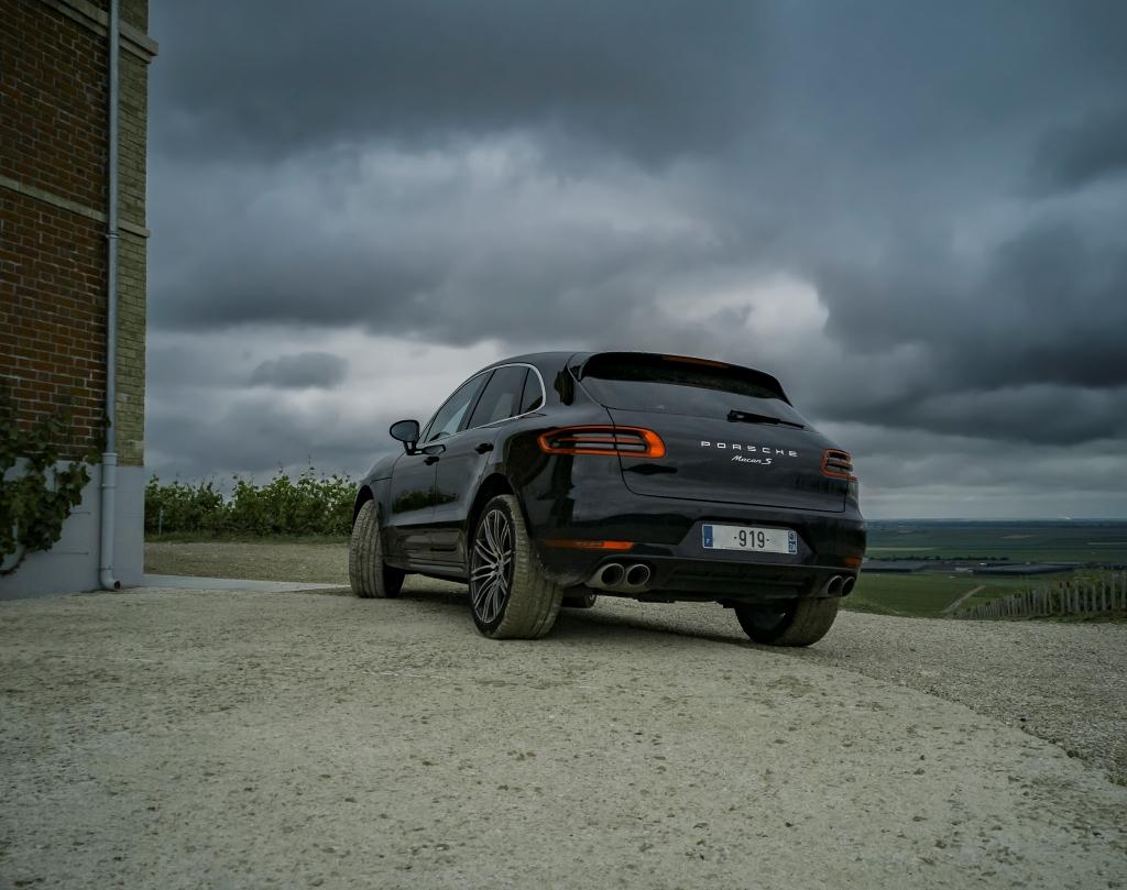 Porsche Macan S dans les vignes Moët et Chandon