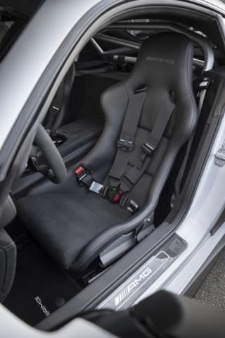 Mercedes AMG GT R PRO, prête pour la piste !