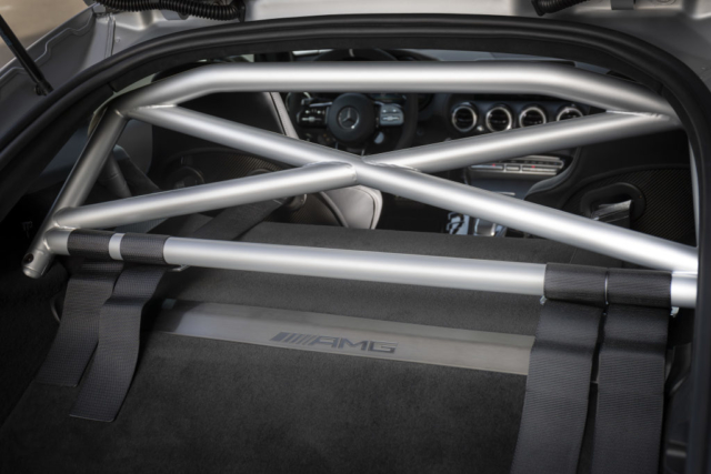 Mercedes AMG GT R PRO, une bonne raison de craquer pour elle : l'arceau