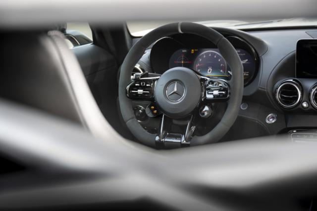 Mercedes AMG GT R PRO, on se verrait bien au volant de la bête
