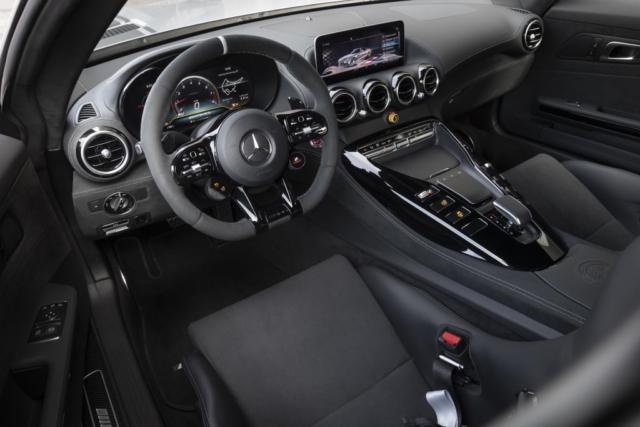 Mercedes AMG GT R PRO, des baquets pour le sport