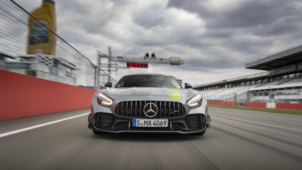 Mercedes AMG GT R PRO, du carbone partout
