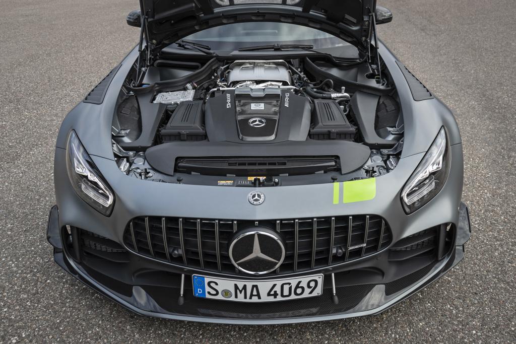 Mercedes AMG GT R PRO, 585 purs-sangs sous le capot