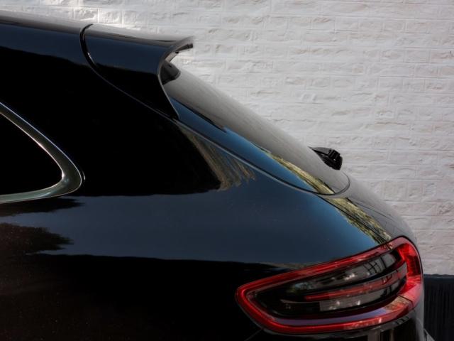 Aileron et touche sportive pour le Porsche Macan S