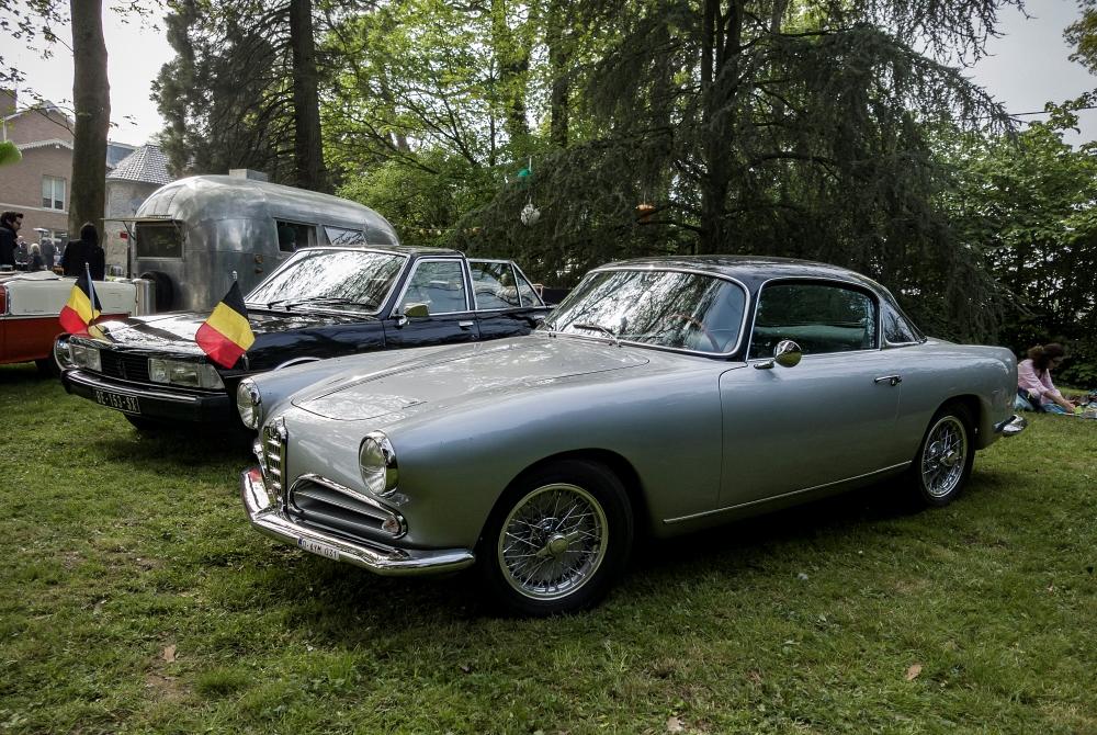 Alfa Romeo Touring et 604 Landaulet Chapron - Belles autos, bons amis et bonne musique le 1er mai à Cassel