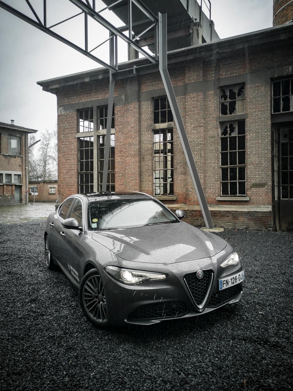 Ambiance néo-rétro...- Alfa Romeo Giulia, dame de coeur