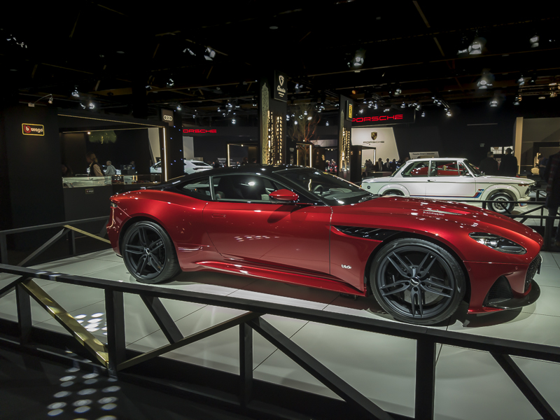 Aston Martin DBS encore plus belle de profil