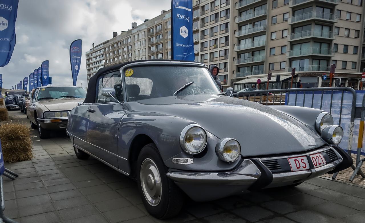 Citroën départ rallye pour la DS21 cabriolet