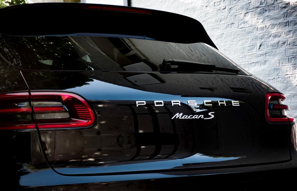 Détail arrière Porsche Macan S