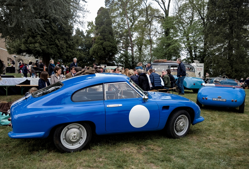 DB, arrière et Simca - Belles autos, bons amis et bonne musique le 1er mai à Cassel