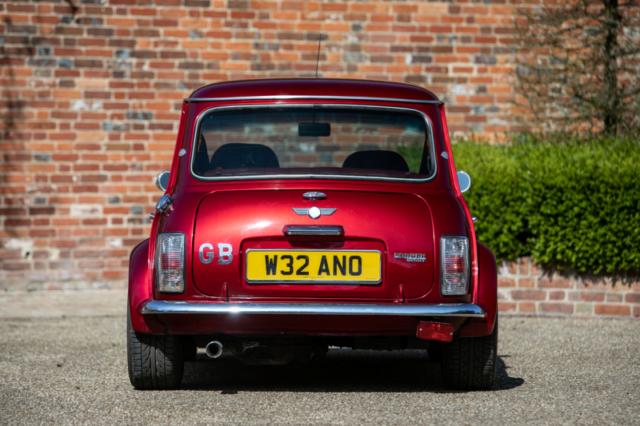 Elle a de la gueule cette petite - Mini Rover Sport 2000 Jay Kay - Jamiroquai