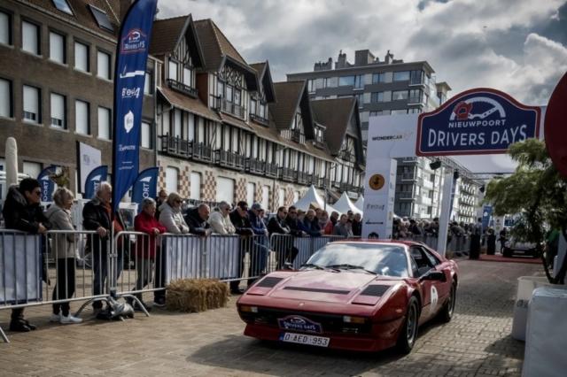 Ferrari 208 turbo à l'arrivée