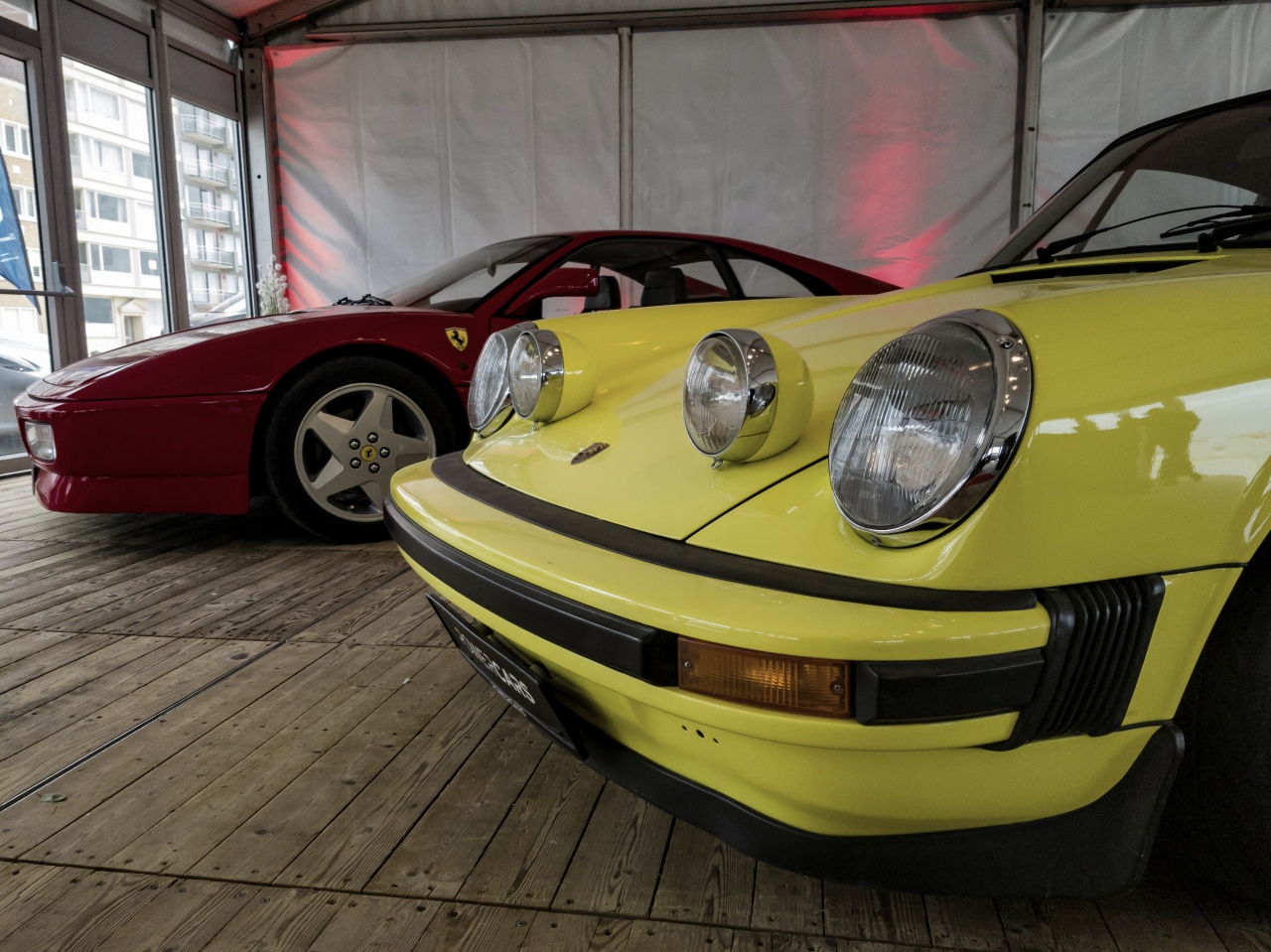 Ferrari 348 et Porsche 911