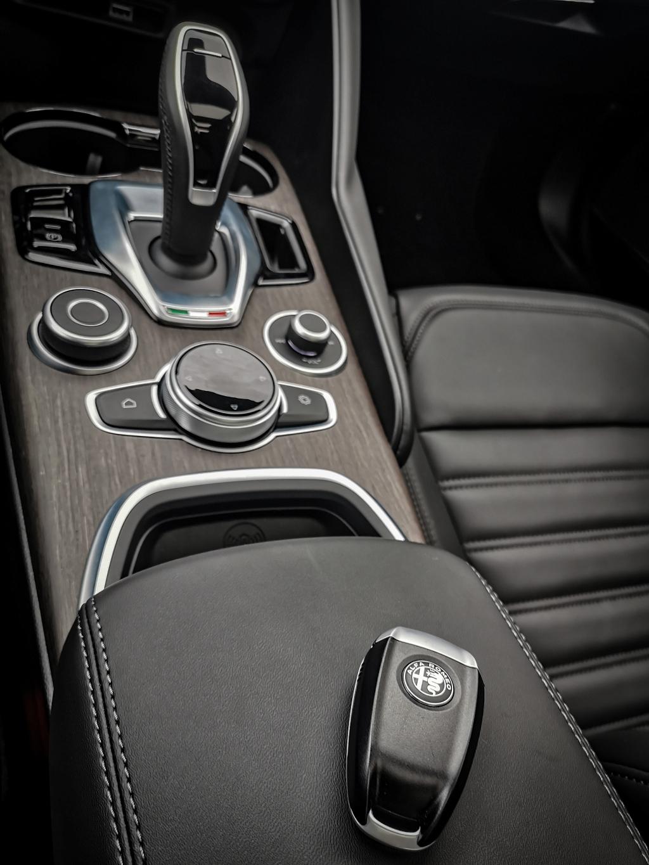 La classe à l'italienne- Alfa Romeo Giulia, dame de coeur