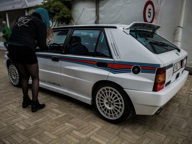 Lancia Delta Integrale au départ du rallye