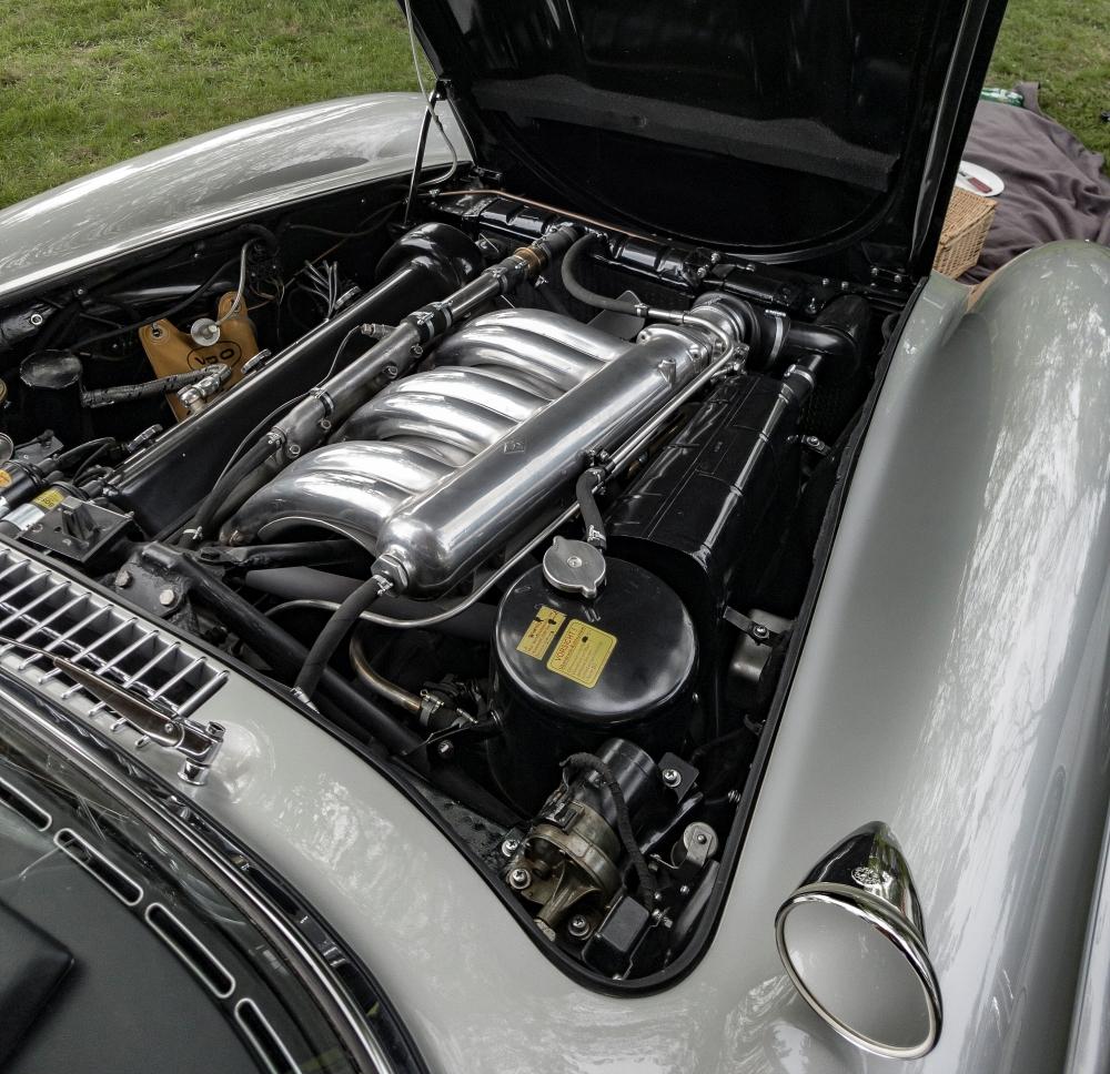 Mercedes 300sl, le coeur de la bête - Belles autos, bons amis et bonne musique le 1er mai à Cassel