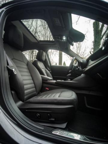 Option essentielle, toit ouvrant- Alfa Romeo Giulia, dame de coeur