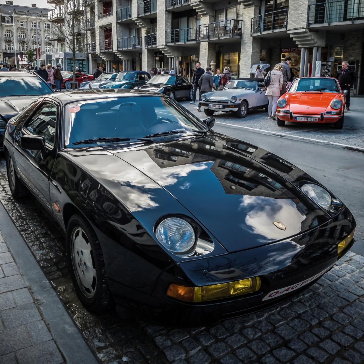 Porsche 928 S4, V8 et 320 chevaux