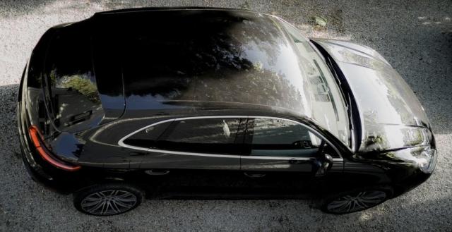Porsche Macan S vue du haut, il manque le toit ouvrant