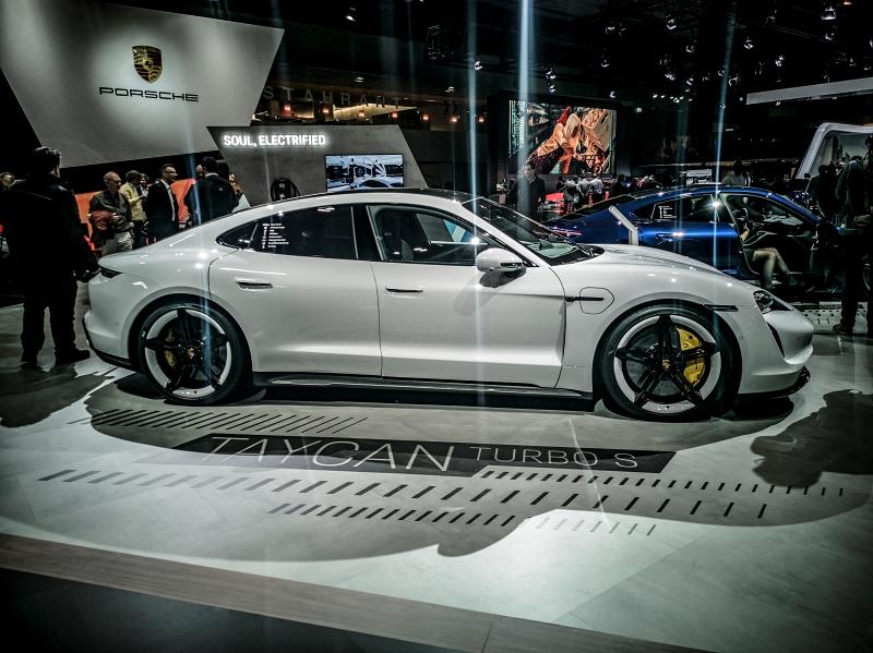 Porsche Taycan Turbo S - Autosalon de Bruxelles 2020 véhicules électriques