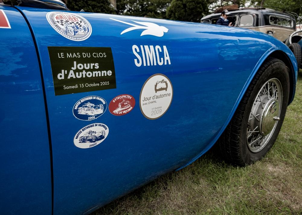 Simca, détail aile avant - Belles autos, bons amis et bonne musique le 1er mai à Cassel