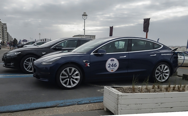 La nouvelle Tesla Model 3 était là