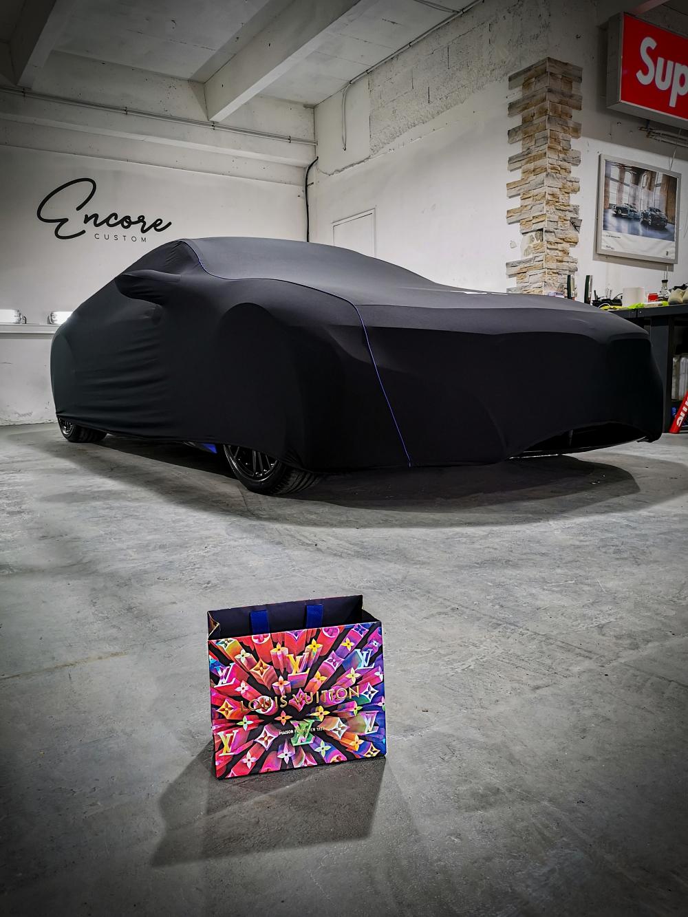 Tout est dans l'emballage - BMW i8 par Nathan Haetty, une Comète percute Paris