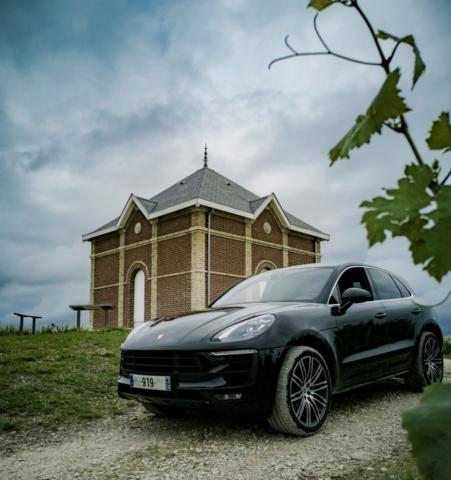Vignes et Porsche Macan S