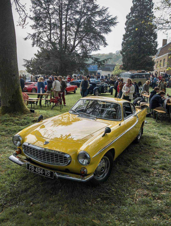 Volvo P1800 - Belles autos, bons amis et bonne musique le 1er mai à Cassel