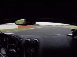 Caméra embarquée : Mclaren 570GT4 à Silverstone