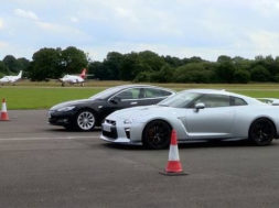 Duel Top Gear : Tesla Model S P90D contre Nissan GT-R