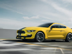 Ford Mustang Shelby GT350 R comme radicale