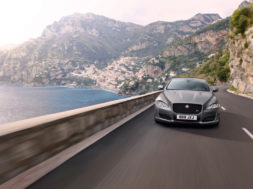 Jaguar XJR 575, l'interview la plus rapide du monde