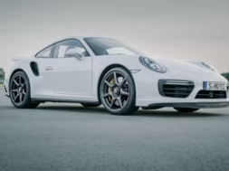 Porsche habille sa 911 Turbo S Exclusive Series de jantes en carbone