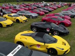 La parade du 70ème anniversaire pour Ferrari dans l'Essex