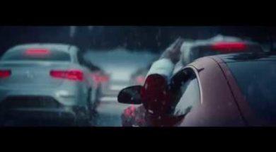 Le père Noël a changé son traîneau contre une Mercedes AMG GTS