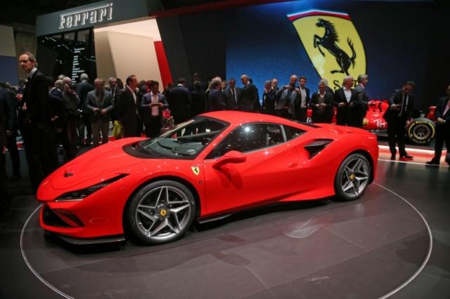 Ferrari F8 Tributo, en rouge...