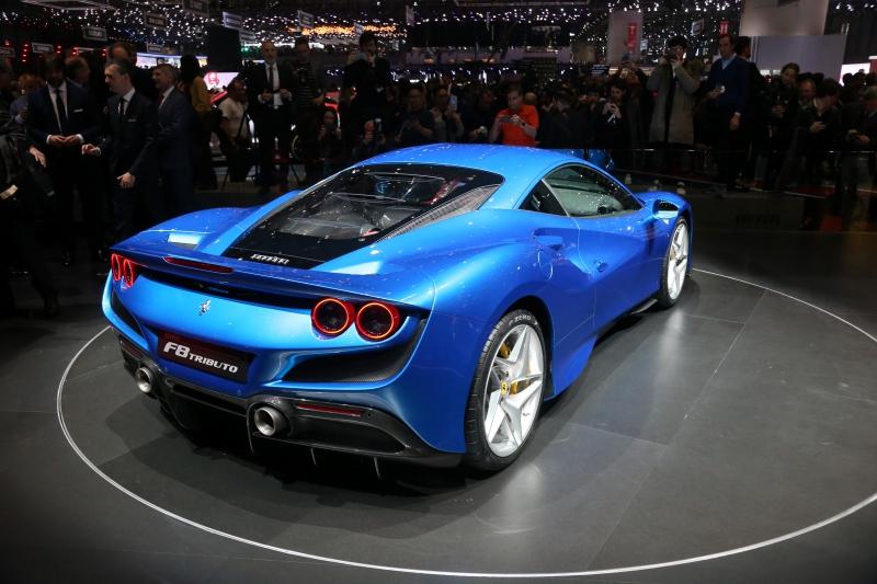 Ferrari F8 Tributo, avec un arrière très inspiré de la Ferrari 288 GTO et de la F40