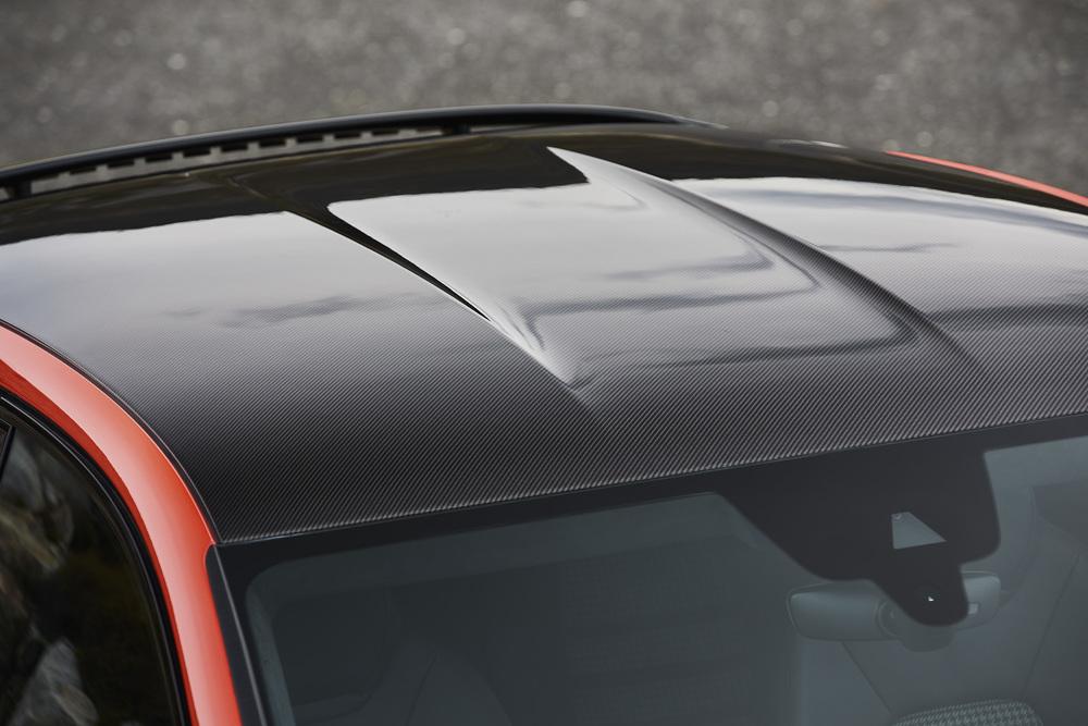 Porsche Cayenne Coupé, détail du toit carbone façon GT3 RS