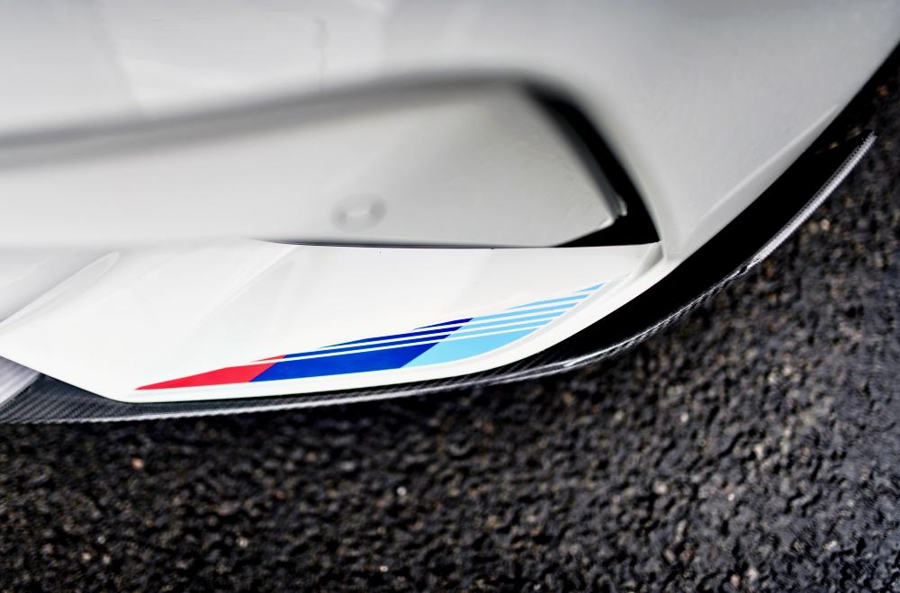 Du rouge, du bleu foncé, du bleu clair... vous êtes chez BMW Motorsport