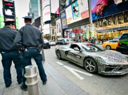 Nouvelle Corvette, star à Time Square